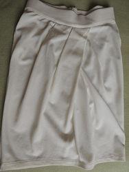 Трикотажная кремовая юбка-тюльпан