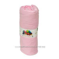 Трикотажные простыни на резинке 160-200 см с наволочками 50-70 см