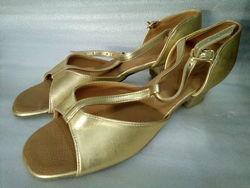 Танцевальная обувь для спортивных танцев