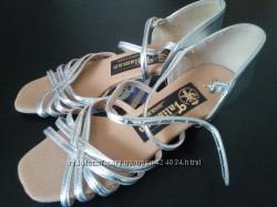 Танцевальные туфли для девочки латина для бальных танцев р.
