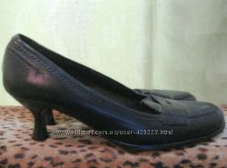 Туфли лоферы 36 размера женские черные