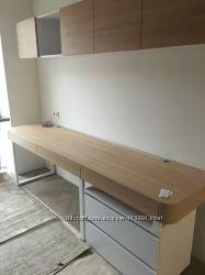 Продам новый стол, тумбу и навесные шкафы