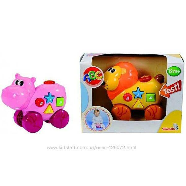 Музыкальная игрушкаКаталка Simba Львенок и бегемот 4011610