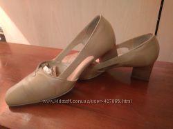 брендовые оригинальные бежевые туфли из натуральной кожи