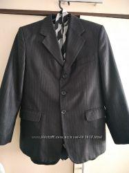Красивый пиджак в отличном состоянии