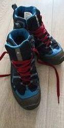Демисезонные ботинки Quechua 37 размер22.5см