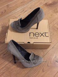 Нові шкіряні туфлі Next