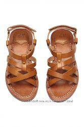 Красивые кожаные сандали от НМ в греческом стиле