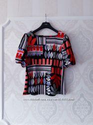Размер L  Необычная яркая фирменная плотная блузка