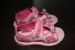 Детские сандали, Clarks р 25. 5 р. 8. стелька 16