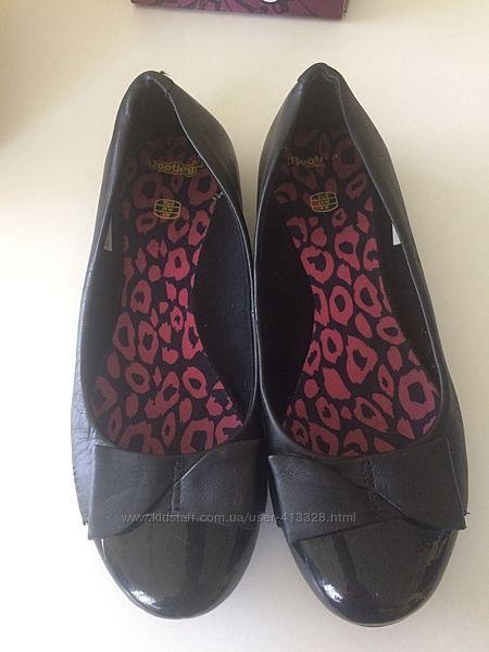 Туфли школьные Bootleg в отличном состоянии