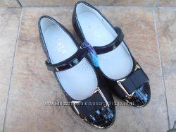 Новая моделька качественных туфель для школы все размеры 34-37 наличие