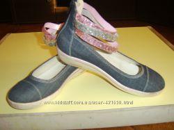 Девичьи туфли р. 35