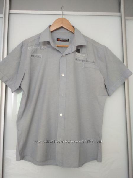 Современная рубашка с коротким рукавом
