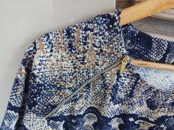 Летнее платье со змеиным принтом