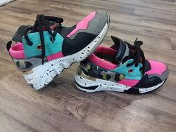 Яркие кроссовки, 37 размер