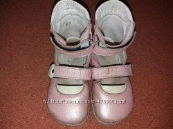 Кожаньіе ортопедические туфли для девочки