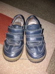 Деми ботинки 27р и 28р