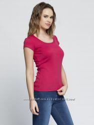 в наличии женская футболка LC Waikiki малиновый цвет