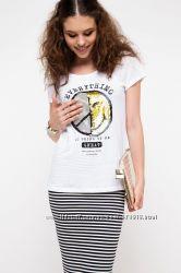 женская футболка De Facto в паетках с меняющимся рисунком-смайликами