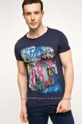 мужская футболка синяя DE FACTO с цветной картинкой