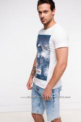 фирменная мужская футболка DE FACTO  ярко-белого цвета Space