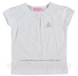 белая футболка для девочки LC Waikiki с логотипом на груди
