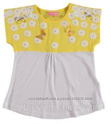 белая футболка для девочки LC Waikiki с желтыми плечами в бабочки и цветочк