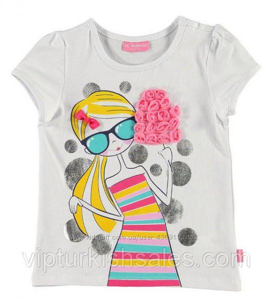 белая футболка для девочки LC Waikiki с девочкой с мороженным