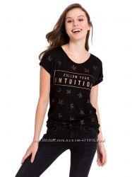 черная женская футболка Lc Waikiki с надписью Follow your intuition
