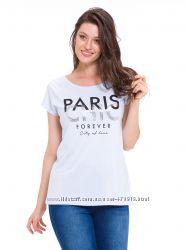 голубая женская футболка с надписью PARIS chic forever