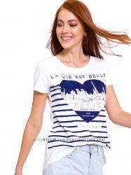белая женская футболка с сердцем и надписью PARIS