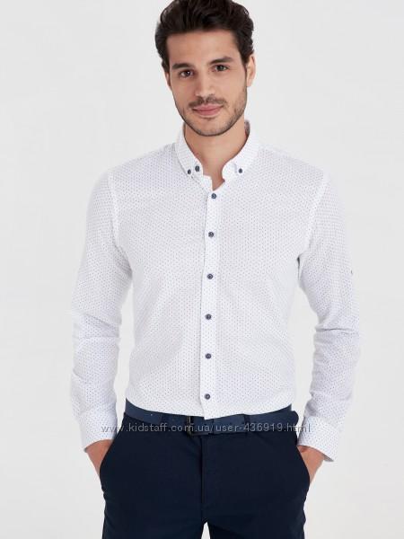мужская рубашка белая lc waikiki в мелкий красный и синий принт
