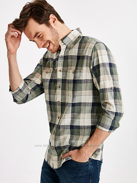 Мужская рубашка LC Waikiki в клетку цвета хаки и карманом на груди