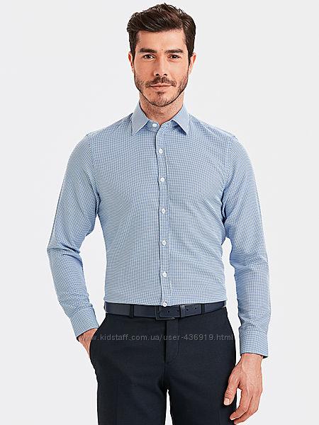 белая мужская рубашка LC Waikiki в сине-голубой принт, с белыми пуговицами