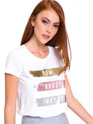белая женская футболка Lc Waikiki с серебристыми и золотистыми полосками