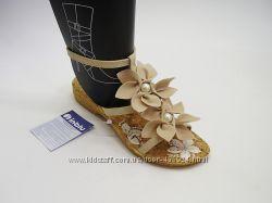 Босоножки и вьетнамки с цветочком TM Inblu Инблу наличии