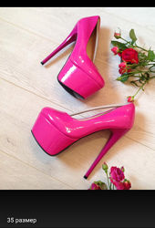 Туфли высокий каблук, цвета