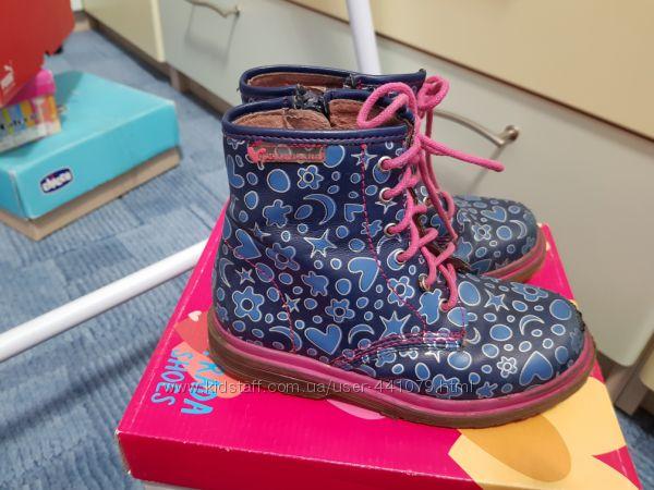 Продам очень стильные полностью кожаные ботинки на девочку 29р на девочку