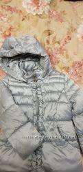 Продам теплую фирменную куртку на девочку 18 мес