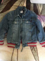 Джинсовая утеплённая куртка C&A на 6 лет