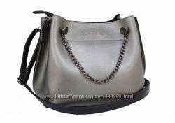 Дуже симпатична невелика сумочка