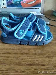 Фирменные босоножки adidas 26р. оригинал