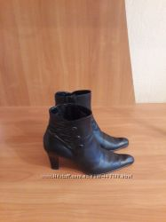 Ботинки  женские Tamaris р. 38 демисезон
