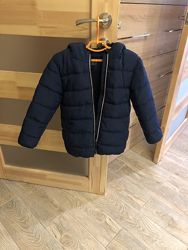 Продам теплую куртку на мальчика Next