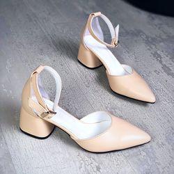 Нарядные туфли лодочки с ремешком, каблук 5,5 см. Кожа , замш. 6 цветов