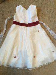 Нарядные платья и короны на праздник, новый год на 4-8 лет