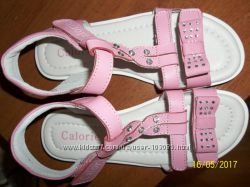Легкие босоножки для девочки со стразами
