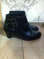 Продам полу ботиночки 38 размер