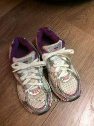 Продам фирменные кроссовки fila